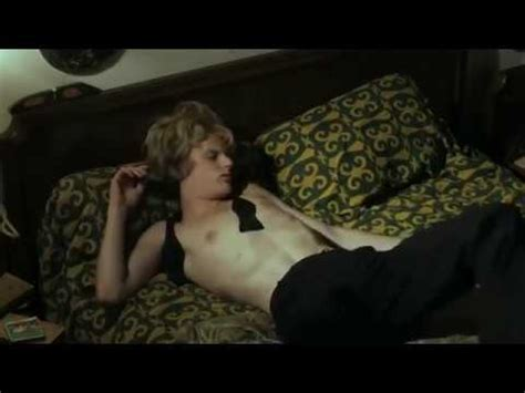 Opium (2013) - French - YouTube