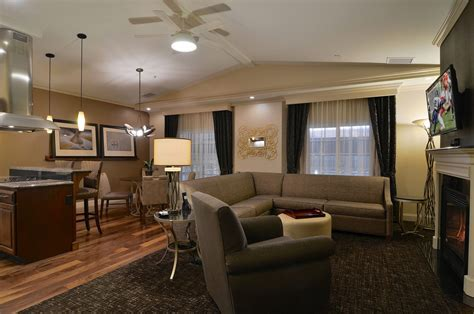 Hotel Rooms With Two Bedrooms | 2 Bedroom Suites in