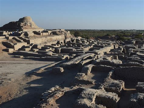 Scientists decide to bury 5,000-year-old lost city in